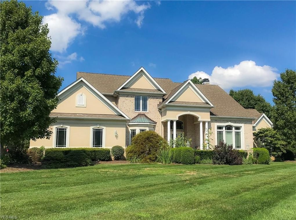 24042 W Rim Dr Columbia Station, OH 44028