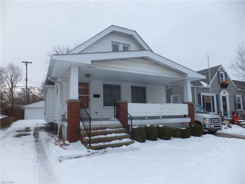 4007 Woodway Ave Parma, OH 44134