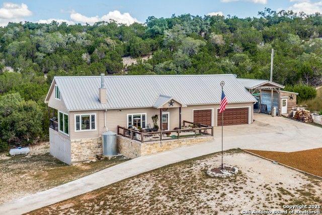 1065 Clear Creek Rd Blanco, TX 78606