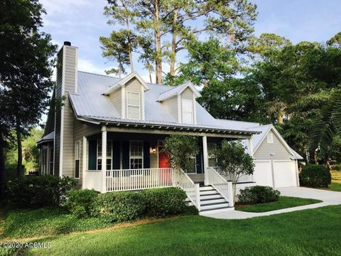 Photo of 354 Cottage Farm Dr, Beaufort, SC 29902