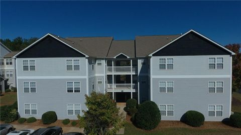 Photo of 121 University Village Dr, Central, SC 29630