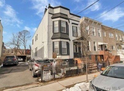 436 Grant Ave Brooklyn, NY 11208