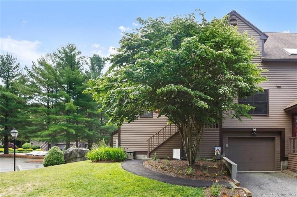 16 Willowbrook Cir Unit 16 Monroe, CT 06468