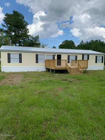 54494 Point South Dr, Callahan, FL 32011