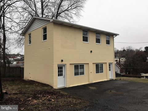 Photo of 405 W Main St, Middletown, MD 21769