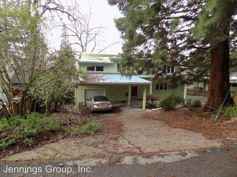 Photo of 2015 Elk Ave, Eugene, OR 97403