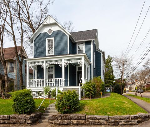 Photo of 821 Eleanor St, Knoxville, TN 37917