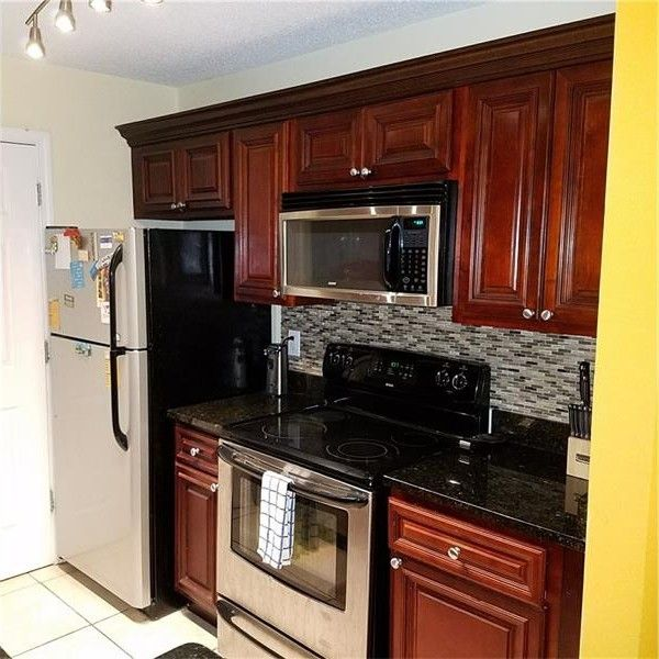 Kitchen Countertops Kenosha: 6201 Santa Fe Pkwy, Atlanta, GA 30350