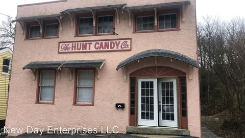 Photo of 426 W High St, Mount Sterling, KY 40353