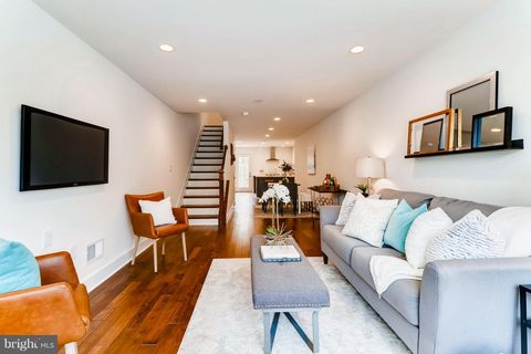 Photo of 2237 Essex St, Baltimore, MD 21231