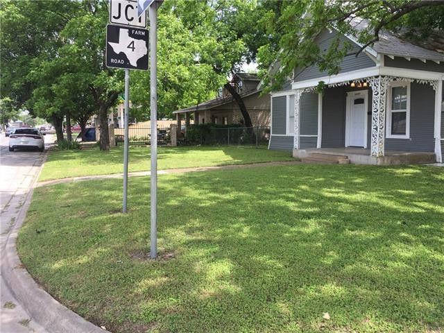1007 S Caddo St, Cleburne, TX 76031