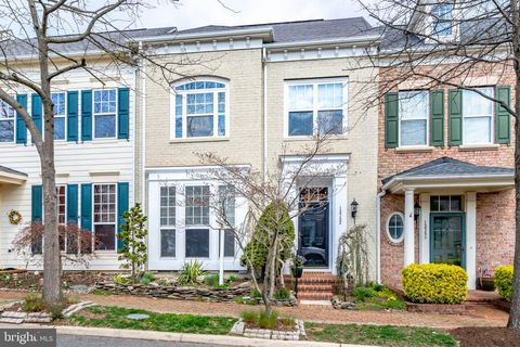 Photo of 13752 Fleet St, Woodbridge, VA 22191