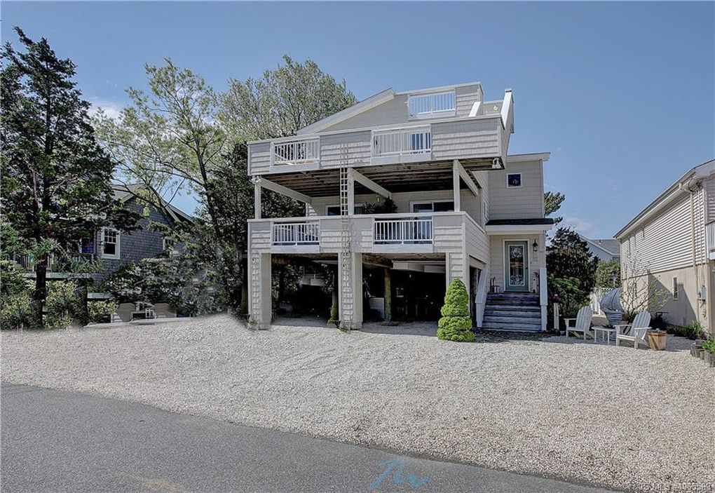 230 22nd St, Surf City, NJ 08008
