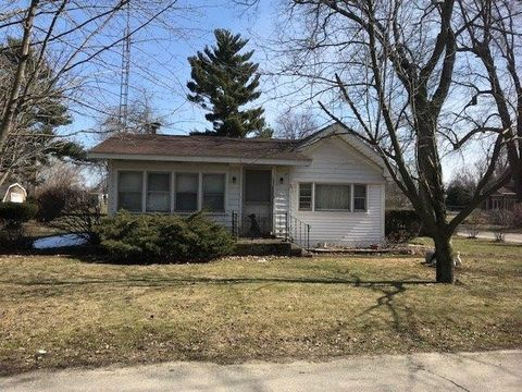 901 E 3rd St, Union Mills, IN 46382
