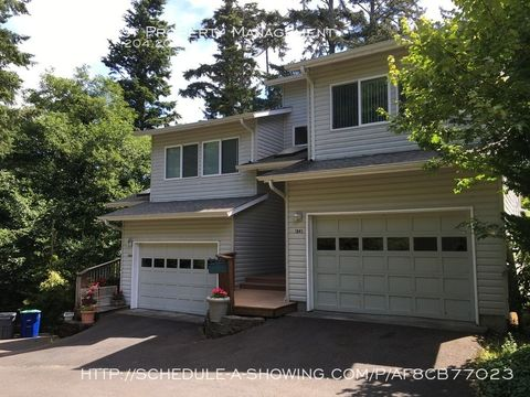 Photo of 1941 Ne 7th Dr, Lincoln City, OR 97367