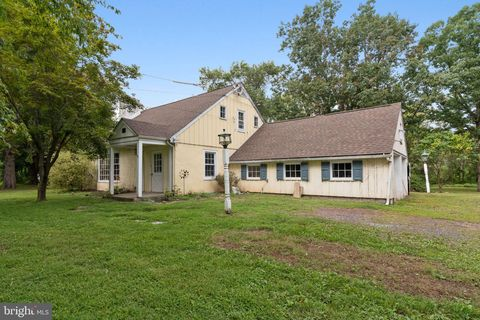 Awesome Newtown Pa Real Estate Newtown Homes For Sale Realtor Com Home Interior And Landscaping Pimpapssignezvosmurscom