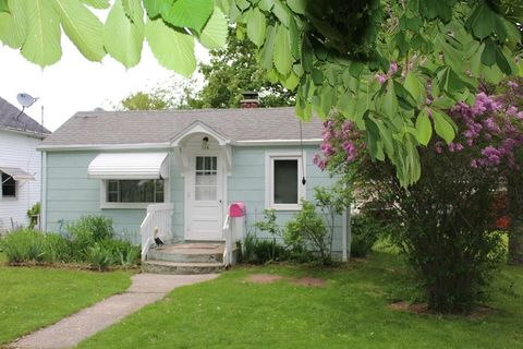 316 Frank Ave, Algoma, WI 54201