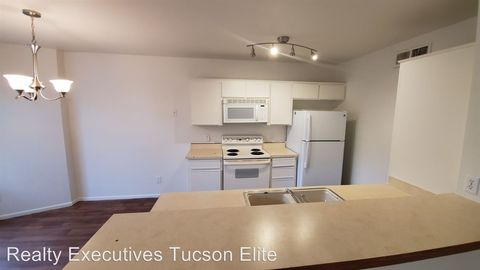 Photo of 1692 W Wood Bridge Ct, Tucson, AZ 85746