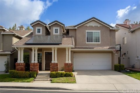 7 Embassy Pl, Lake Forest, CA 92610