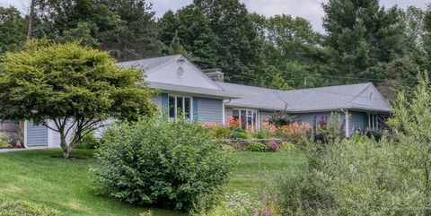 Surprising Waterfront Homes For Sale In Damariscotta Me Realtor Com Home Remodeling Inspirations Basidirectenergyitoicom