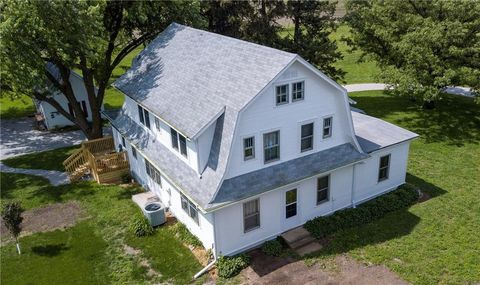 Photo of 61770 315th St, Maxwell, IA 50161