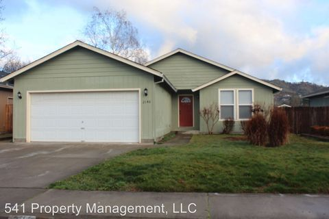 Photo of 2146 Sw Judy Ln, Grants Pass, OR 97526