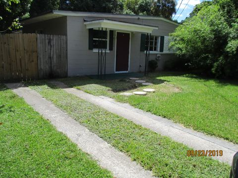 Photo of 1104 W Pratt St, Starke, FL 32091
