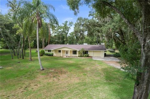 Photo of 121 Busto Dr, Lutz, FL 33549