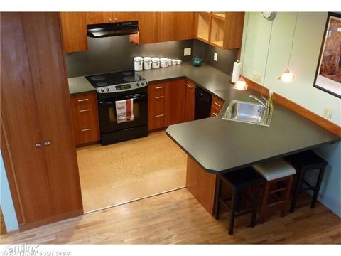 Photo of 99 Silver St Apt 4-5, Portland, ME 04101