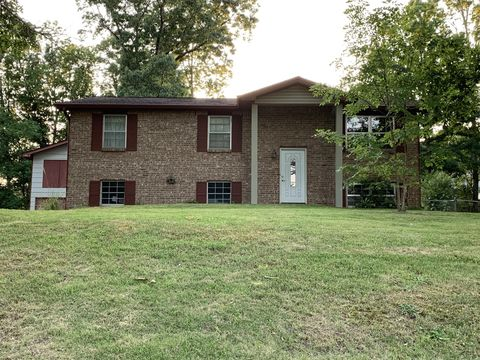 Photo of 4019 Lost Oaks Dr, Ooltewah, TN 37363