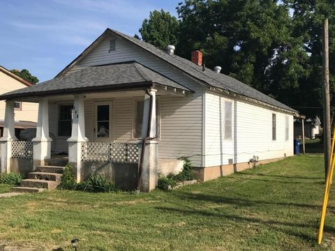 205 S 9th St, Sarcoxie, MO 64862