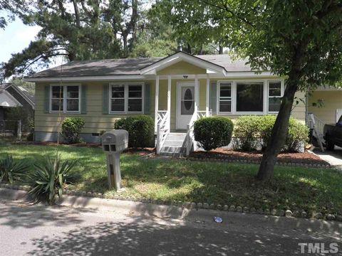 Photo of 301 E Elizabeth St, Selma, NC 27576