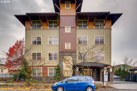 Photo of 400 Ne 100th Ave Apt 310, Portland, OR 97220
