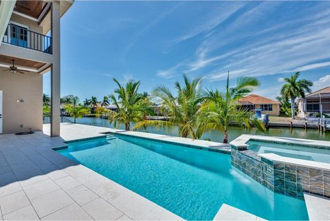 Photo of 681 Pelican Ct, Marco Island, FL 34145