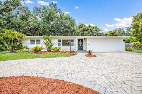 Photo of 2327 Roselawn Cir, Sarasota, FL 34231