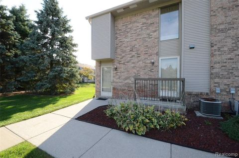 Photo of 42760 Lilley Pointe Dr, Canton Township, MI 48187
