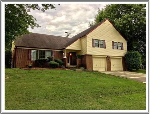 Photo of 87 Verna Dr, Russell, KY 41169