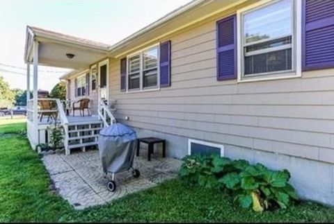 63 Chase St Unit Right, Danvers, MA 01923