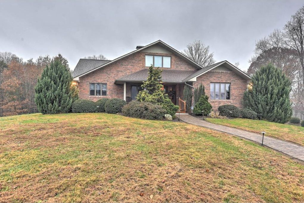 136 Triple H Ln, Jonesborough, TN 37659