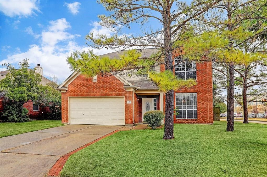9902 Mossy Tree Ln, Houston, TX 77064