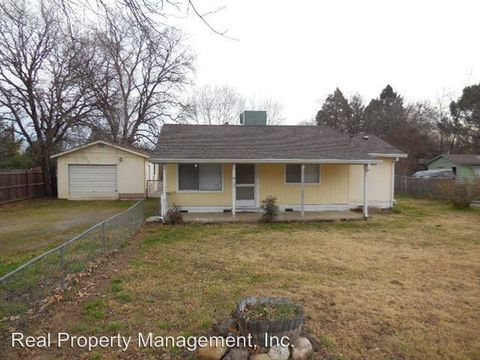 Photo of 2879 North St, Anderson, CA 96007
