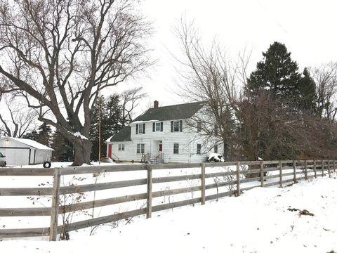 6215 Pioneer Rd, Ringwood, IL 60072