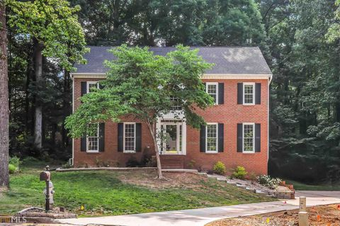 Photo of 372 Lombard Dr, Lawrenceville, GA 30044