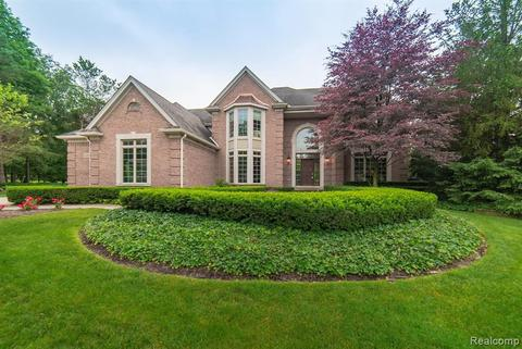 5083 Westchester Ct, Independence Township, MI 48348