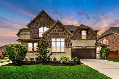 Fantastic Houston Tx 6 Bedroom Homes For Sale Realtor Com Home Interior And Landscaping Ferensignezvosmurscom