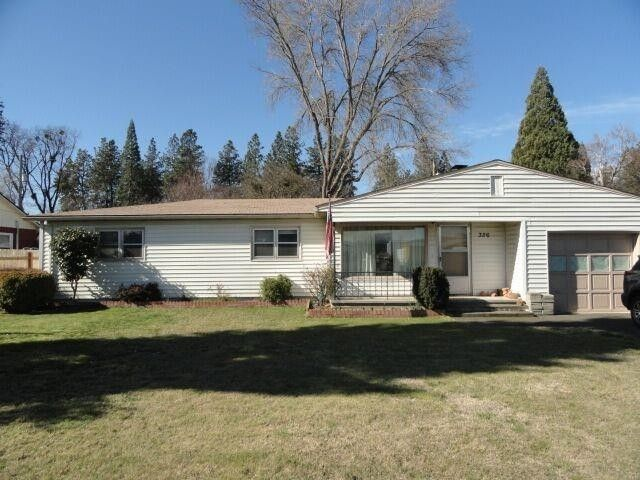 326 Oak Grove Rd, Medford, OR 97501