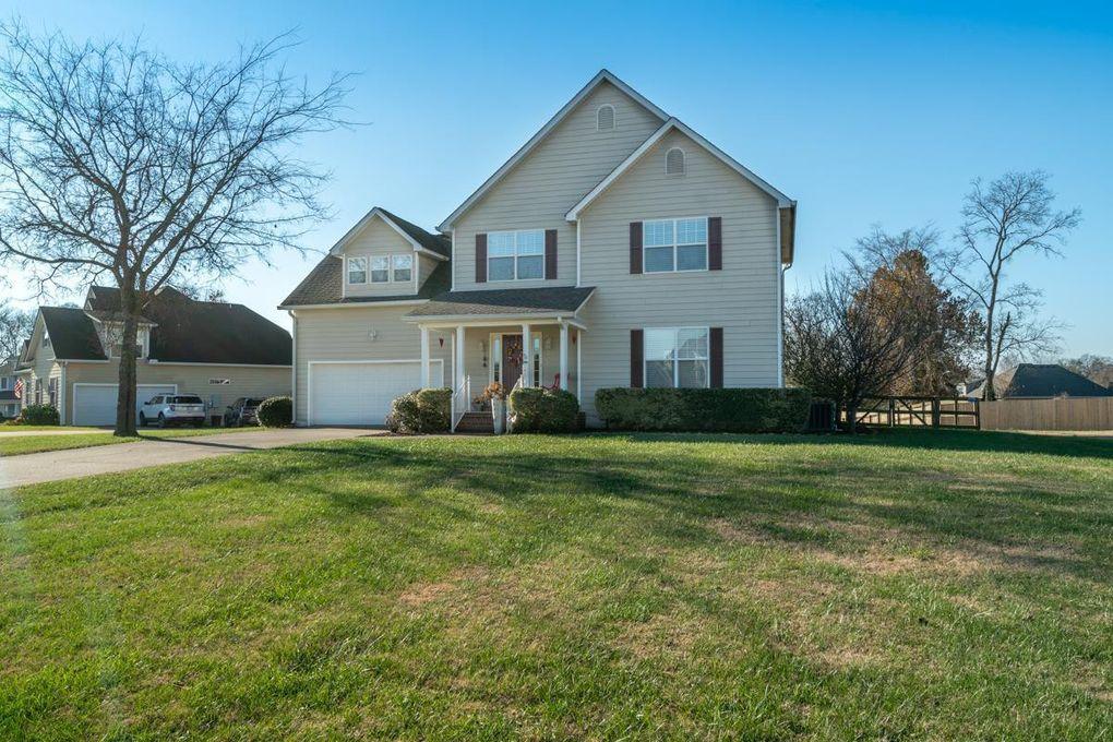 8975 Big Oak Dr, Murfreesboro, TN 37129
