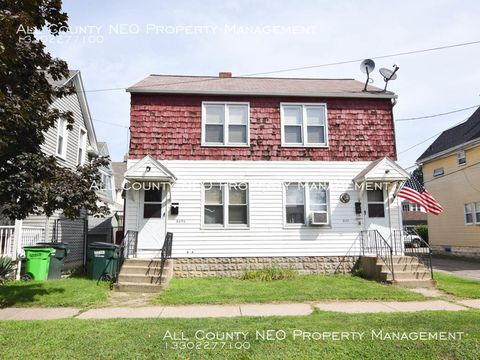 Photo of 645 W Park Ave Units 1 & 2, Barberton, OH 44203