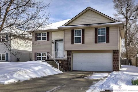Photo of 1411 S 8th St, Council Bluffs, IA 51501