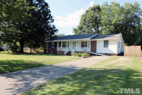 301 Trail Of Merlin, Garner, NC 27529